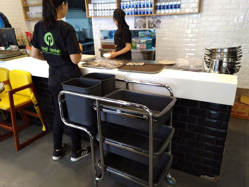Xe thu gom bát đĩa ba tầng trong nhà hàng quán ăn 3 tầng